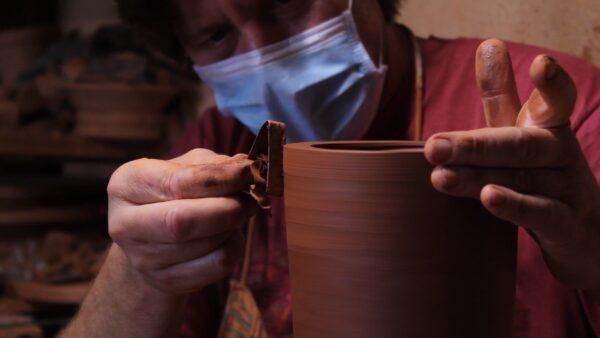 Lámpara artesanal de céramica torneada a mano Barbutina 4