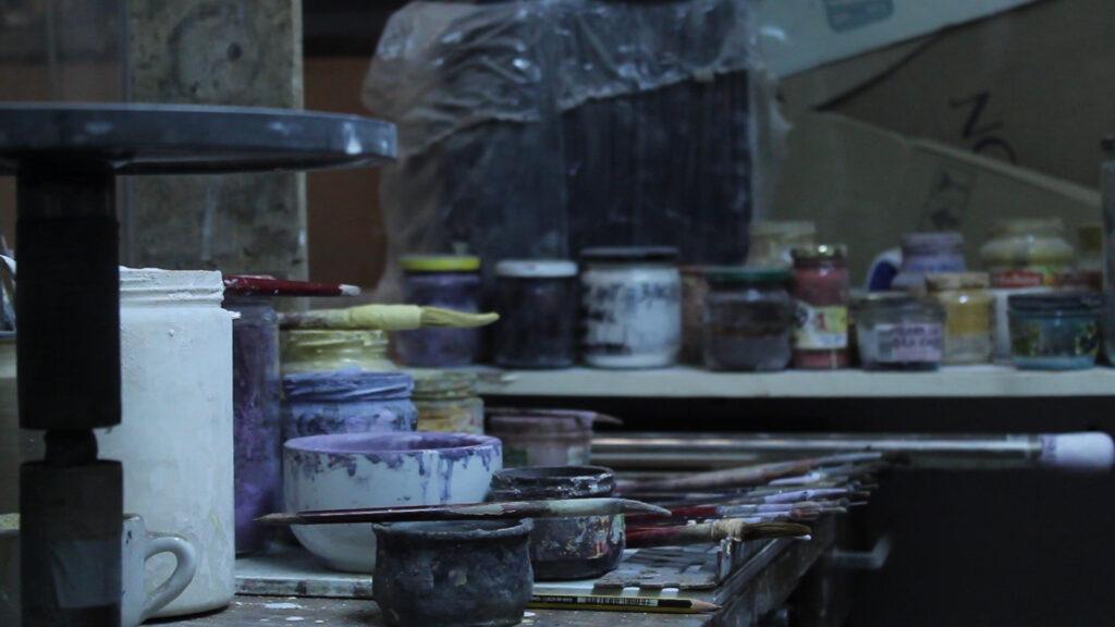Lámpara artesanal de suspensión de cerámica Majolic 5